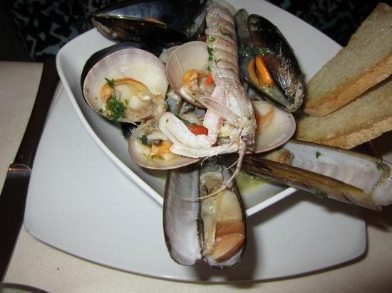 Artevino: Fish Soup