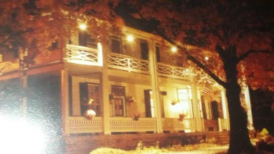 The Buckhorn Inn: AT NIGHT