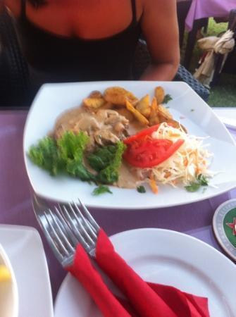 Patty's Lounge Bar Restaurant : mushroom @ cream steak