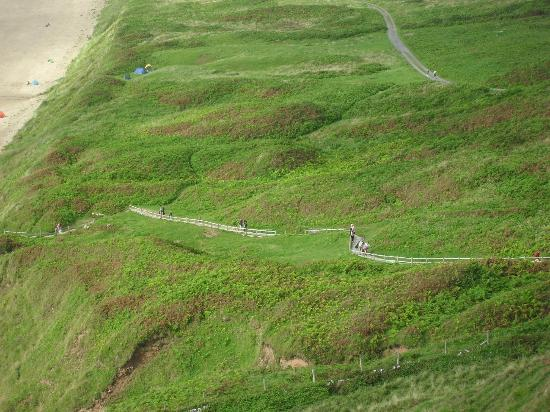 Rhossili Bay: Long and winding road from the beach!  Worth the walk