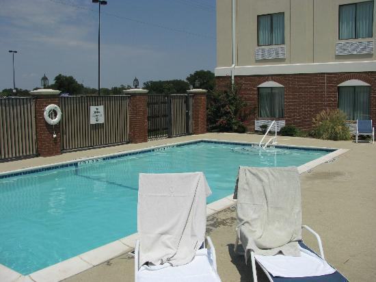 Holiday Inn Express Hotel & Suites Eastland: pool