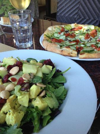 Los Olivos Wine Merchant & Cafe: Curry Chicken Salad and Mykonos Salad