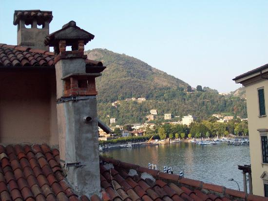 In Riva al Lago Bed & Breakfast : La vista del lago dalla nostra camera