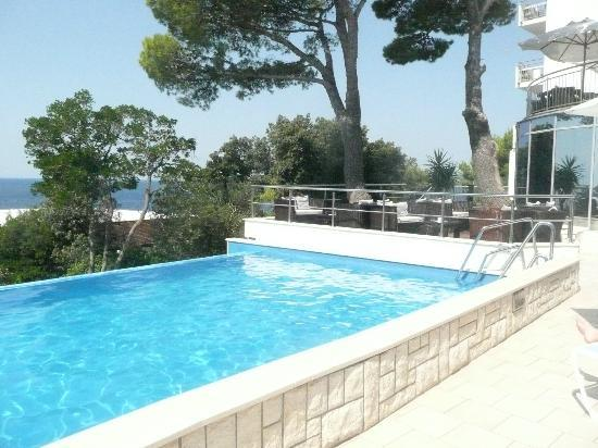 Royal Princess Hotel: petite piscine extérieur