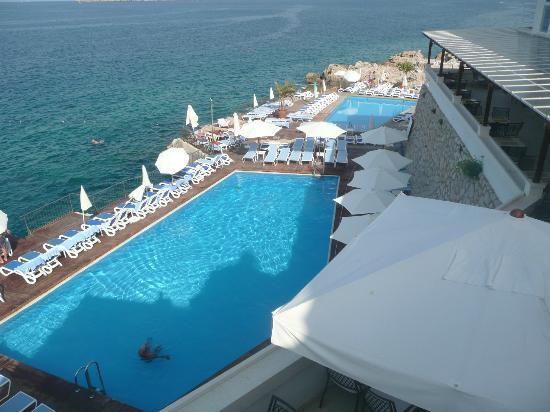 Royal Princess Hotel: vu sur les autres piscines
