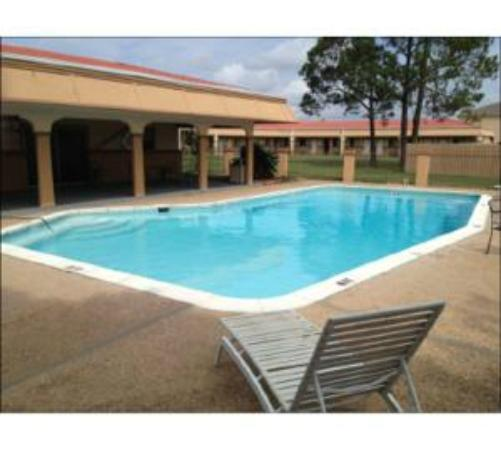 Howard Johnson Express College Station: Outdoor Pool