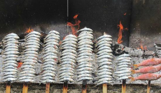 Chiringuito Pepes Bar: Sardines a l'espeto
