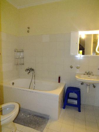 Creta Suites: μπάνιο