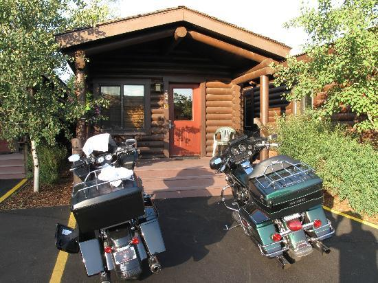 إيلك كنتري إن: Cabin at the Elk Country Inn 