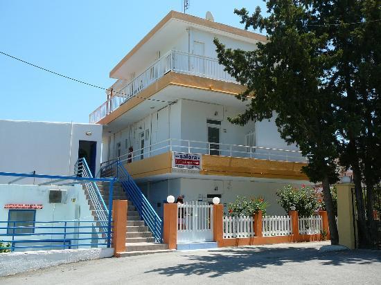 Salora Studios-Apartments: in front of salora