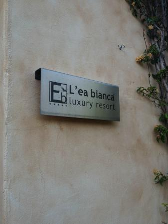 L'ea Bianca Luxury Resort: sign