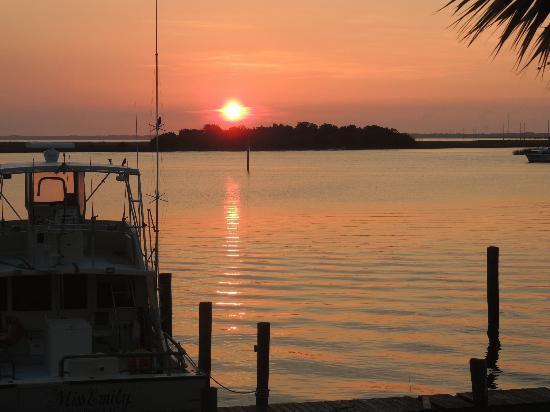 Apalachicola River Inn: Sunrise