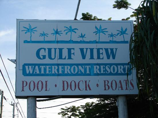 Gulf View Waterfront Resort: sign on road
