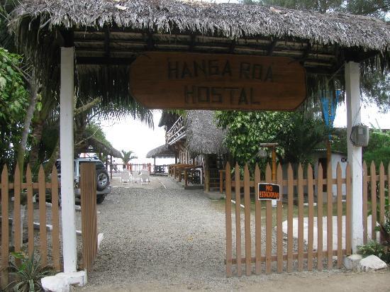 Hanga Roa Hostal: entrance