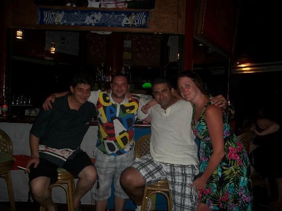 Remezzo Beach Bar: Last nite in Remezzos