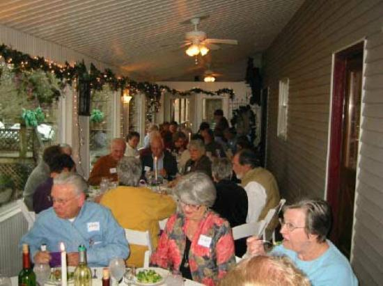 Grey Gables Bed 'N Breakfast Inn : Available for private brunches, luncheons and dinners