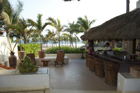 Las Palmas Resort & Beach Club: Upon entering...