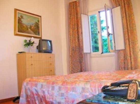 Hotel Enza: Enza Room