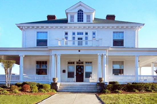 Pandora's Manor : Wilson House Entrance