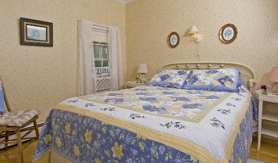 The Barrington Inn: Room 2