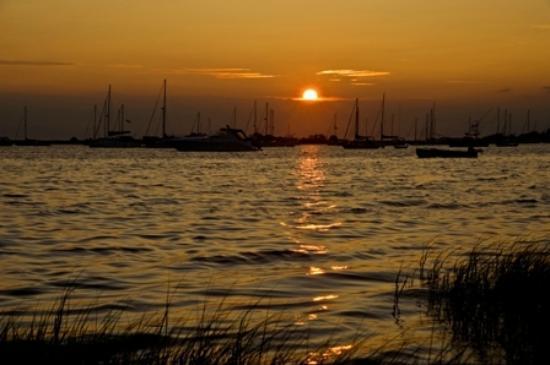 The Barrington Inn: Sunset on the Harbor