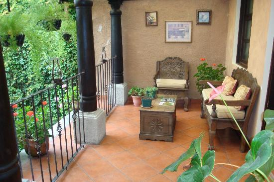 Hotel Meson del Valle: Outdoor sitting areas
