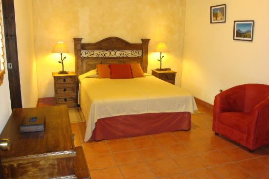 Hotel Meson del Valle: Queen beds