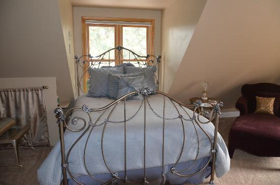 The Carolina Bed & Breakfast : Our bed