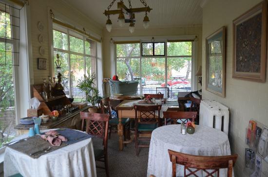 The Carolina Bed & Breakfast: Breakfast room