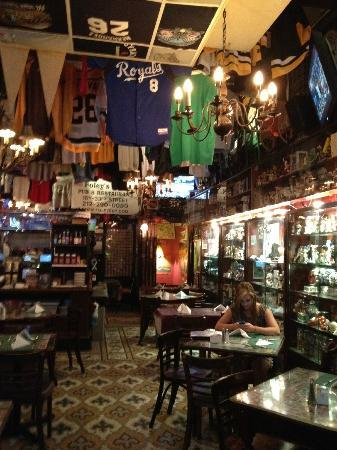 Foley's Pub & Restaurant: lots of cool stuff to look at