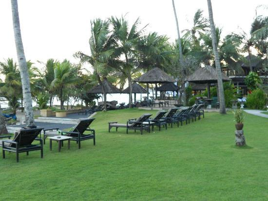 Candi Beach Resort & Spa: Beachfront Resort