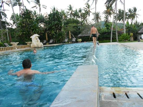 Candi Beach Resort & Spa: Relaxing @d Pool