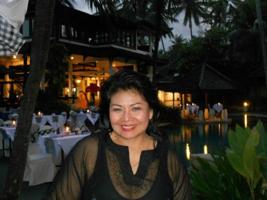 Candi Beach Resort & Spa: Seaside Dining