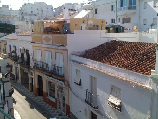 Hostal Residencia Mena: view from the room to the street