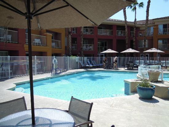 Holiday Inn Express Hotel and Suites Scottsdale - Old Town: the pool