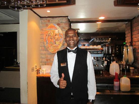 Sandals Royal Plantation: Gladstone the best Bartender