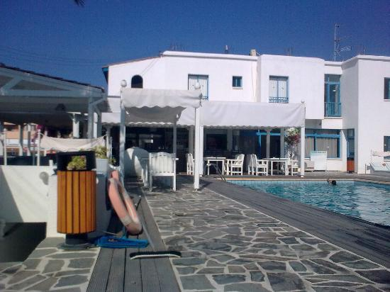 Tasmaria Hotel Apts.: Snack/Pool Bar