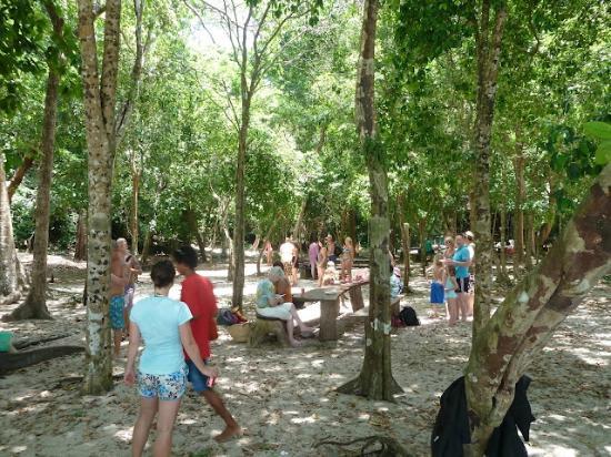 ฟรีดอม แอดเวนเจอร์ เดย์ทัวร์: Koh Rok la journée avec les touristes