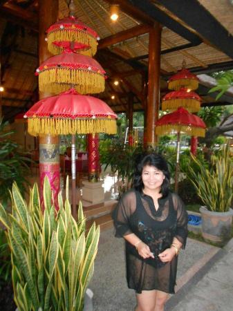 Aneka Lovina Beach Hotel: Restaurant