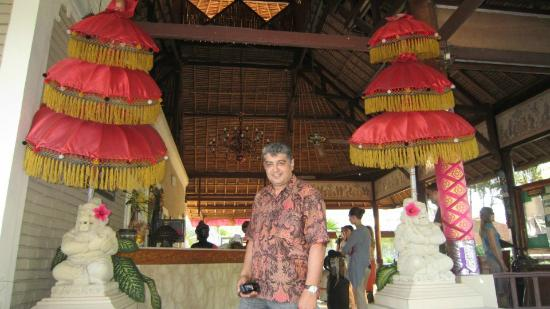 Aneka Lovina Beach Hotel: Reception