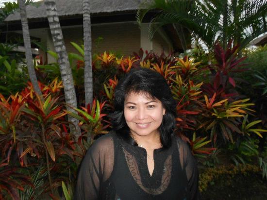 Aneka Lovina Beach Hotel: Garden