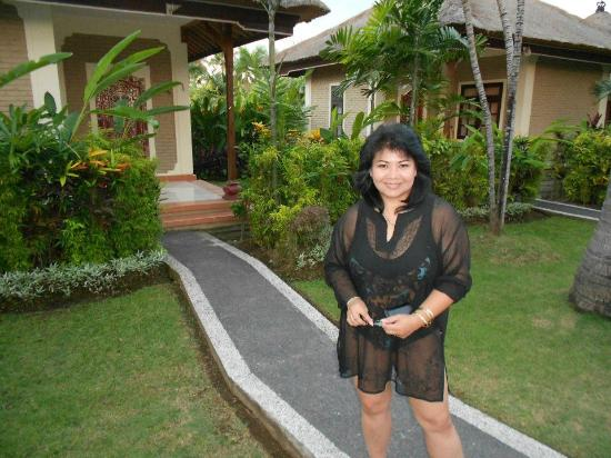 Aneka Lovina Beach Hotel: Cottage