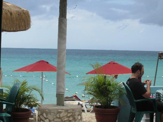 Legends Beach Hotel: View from bar patio during lunch