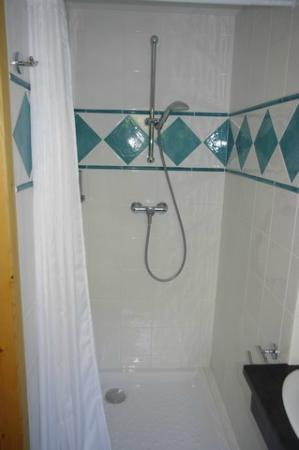 La Halte Saint-Germain: La douche