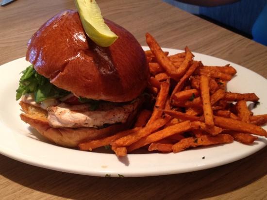 BLD Restaurant: grilled chicken on brioche