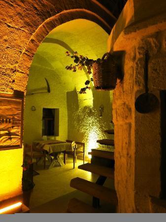 Safran Cave Hotel: Ночь в отеле