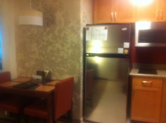 Residence Inn Bismarck North: fridge & table w/2 chairs