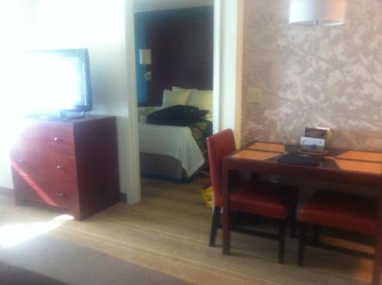 Residence Inn Bismarck North: view into king room