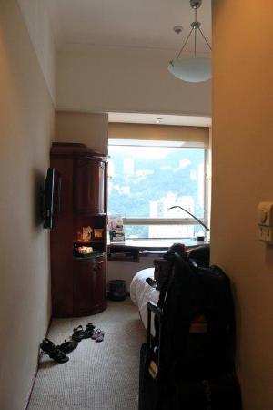 The Charterhouse Causeway Bay Hotel: walkway