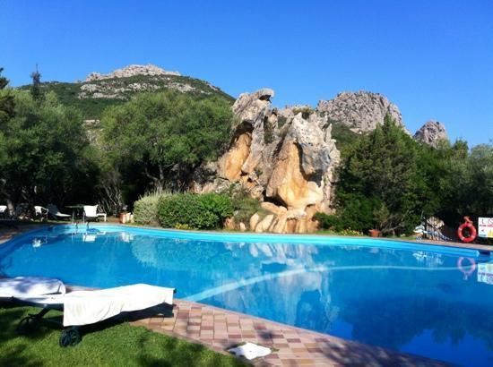 Rocce Sarde Hotel: piscina